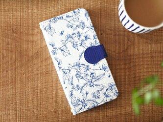 手帳型スマホケース/木の実柄*ホワイトの画像