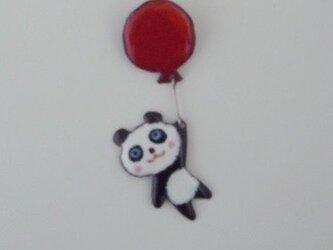 七宝ブローチ 風船にゆらゆらパンダさん の画像