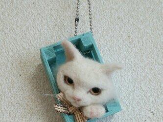 白猫 羊毛フェルト オーナメントの画像