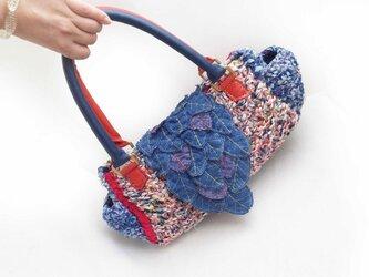 葉っぱカブセの☆裂き編みショルダーバッグ☆ブルー×レッドの画像