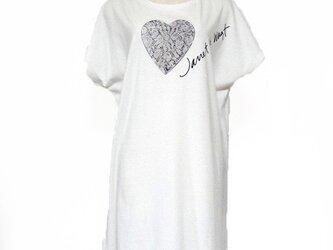 ハートレースフラワーTシャツ オフホワイトの画像