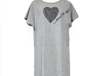ハートレースフラワーTシャツ グレーの画像