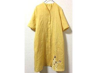 麻の羽織れるワンピース(黄)の画像