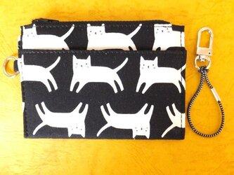 パス&スマートキーケース(白猫)の画像