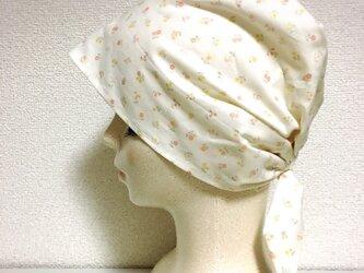 夏用ケア帽子 –小花模様–の画像