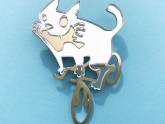 Reflector brooch  Cycling cat  -Silver & Gold-の画像