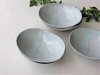 二色の楕円皿(中)の画像