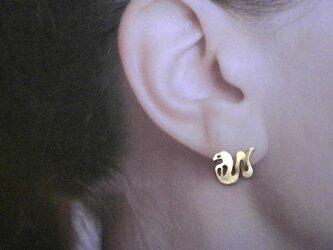 毒蛇真鍮耳飾の画像
