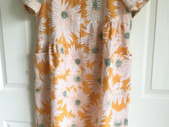 浴衣地の花柄ワンピース(黄色)の画像