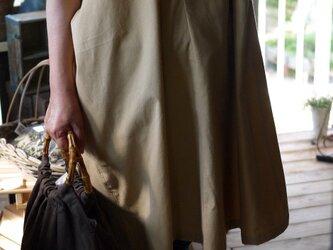 綿オフネックのワンピースの画像