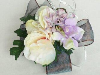 トルコキキョウと紫陽花の髪飾り・コサージュの画像