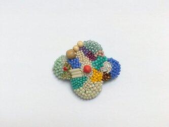 小さなお花のブローチ Aの画像