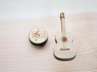 ブローチ music (ウクレレ) Lサイズの画像