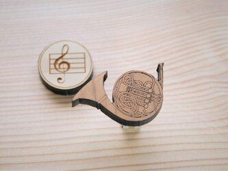 ブローチ music (ホルン)の画像