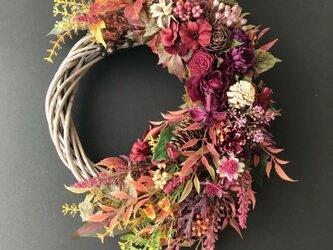 Autumn leaves wreathの画像