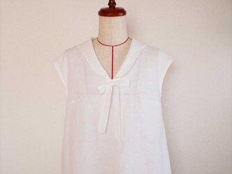 Hortense -white blouse-の画像