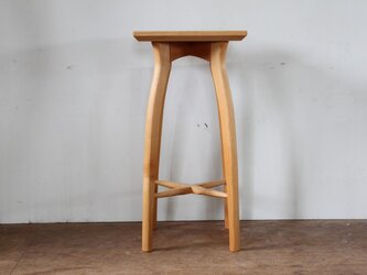 キッチンスツールR・アルダー材・座は四角の画像