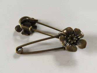 花・銅色ストールピン2個セットの画像