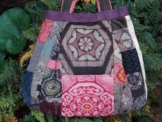 大島紬のバッグの画像