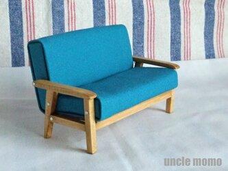 ドール用ソファ2人掛け(色:ブルー×オーク) 1/12ミニチュア家具の画像