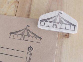 サーカステントの郵便枠の画像