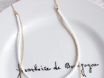 シェルビーズのシンプルネックレスの画像