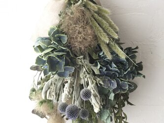 ブルーな紫陽花スワッグの画像