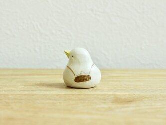 《Kanmi. コラボ》おでかけひよこ (こげ茶)の画像