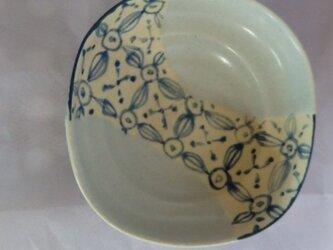 小鉢 織部風 マットなブルー系の画像
