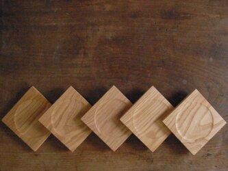 木のコースター クリの画像