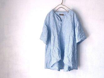 国産リネン100%ストライプ Aラインキーネックシャツ ブルー系の画像