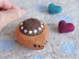 ハリネズミの羊毛ピンクッション【針山】みずたまリング ピンクの画像