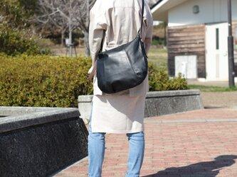 柔らかな本革ショルダーバッグ 軽量 ポニースムース ブラック 馬革 黒【送料無料】ak-20psの画像
