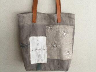 リネン刺繍のコラージュバッグの画像