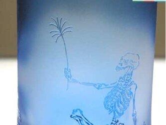 河鍋暁斎シリーズ 骸骨の花火見立て 青色(ロックグラス) 蕨ブランド認定商品 送料無料の画像