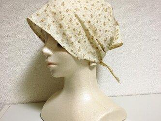 夏用ケア帽子 小花ベージュの画像