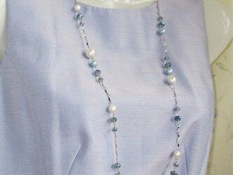 受注制作*コットンパール、ガラスビーズのロングネックレス(アクアブルー)の画像