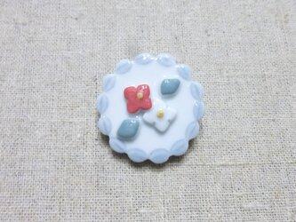 紅白小花レースブローチの画像