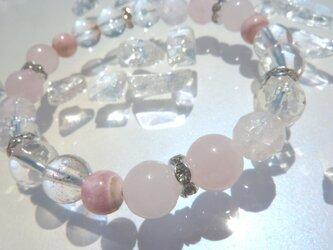 女子力アップ!!イチゴ水晶を使ったキラキラ夏ブレス☆の画像