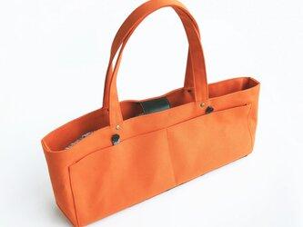 帆布と革の贅沢トート 格子オレンジの画像