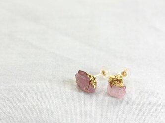 Pink Tourmarine pierced earrings w/ JapaneseLacquer, GoldLeafの画像