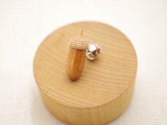 木彫どんぐりタックピン ケヤキ×メイプル : A-16_TPの画像