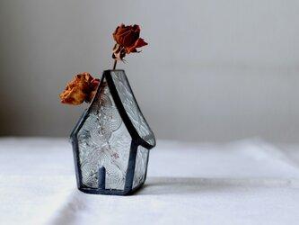 小さな小さなお家の花器の画像