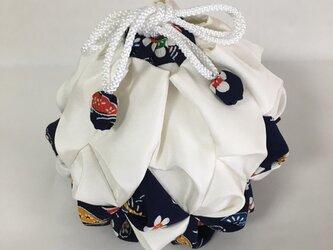 絹手毬 其の四「雪ん子」の画像