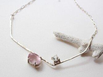 ローズクォーツと水晶 ラリエットネックレスの画像