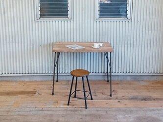 *ダイニングや作業台に*天然杉の古材板で作った天板とアイアン脚のアンティーク調  テーブル*ナチュラル*の画像