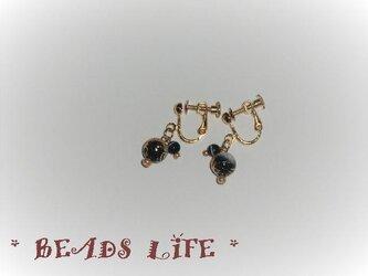 NO824◇唐草ビーズのイヤリング 黒の画像