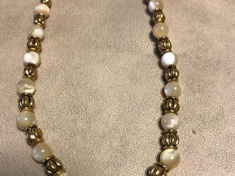ナザーオブパールとメタルのネックレスの画像