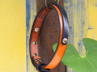 イタリアンレザー オレンジ / ネイビー レイヤード ブレスレットの画像