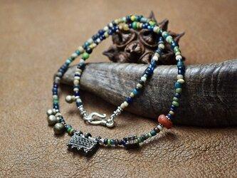 エチオピアンシルバーと出土ビーズのネックレスの画像